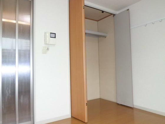収納6帖洋室の収納