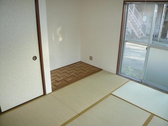 和室和室、ちょっとしたくつろぎスペースにいかがでしょうか