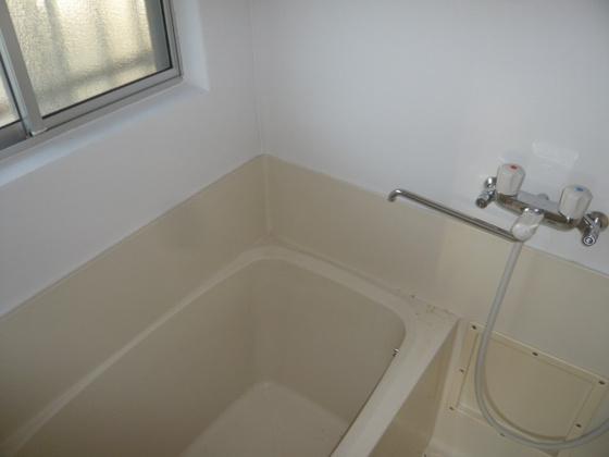 浴室日々の暮らしに欠かせないお風呂です