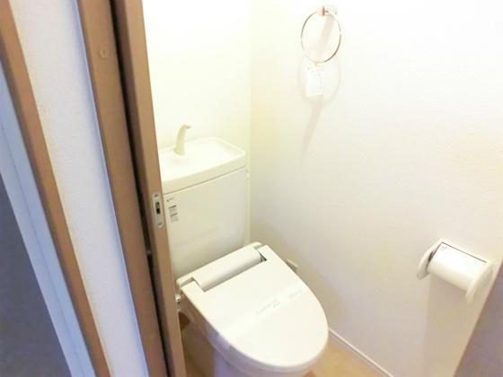 トイレ暖房便座付のトイレ
