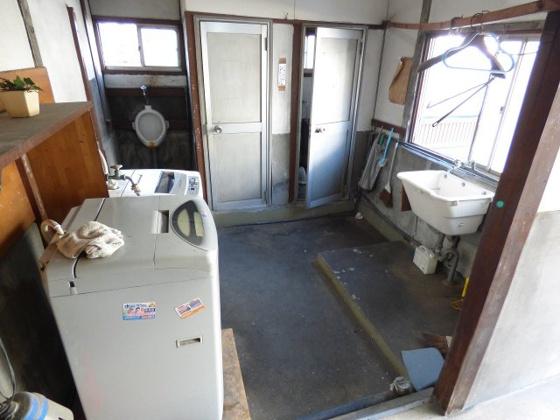 共有部分洗濯機が2台もありますよ。