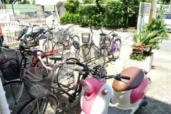 その他敷地内にある駐輪スペース。