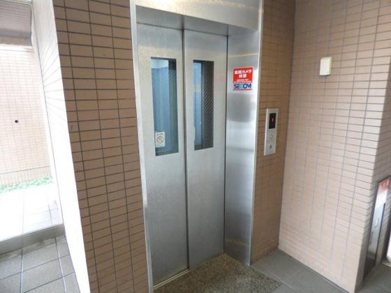 その他便利なエレベーターもあります。