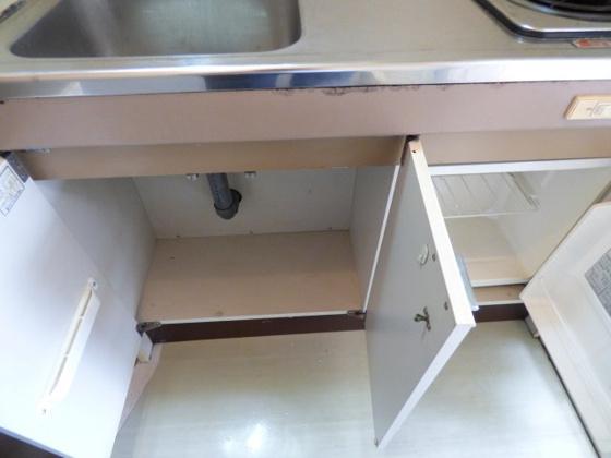 その他キッチン下の収納スペース。