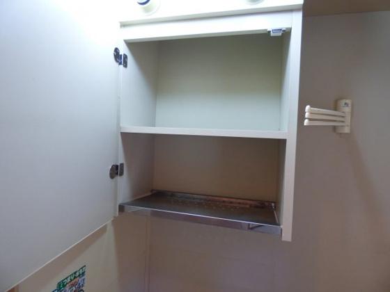 その他キッチン上にも収納棚があります。
