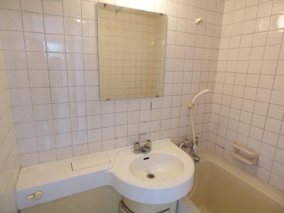 洗面所オシャレでかわいい洗面台。