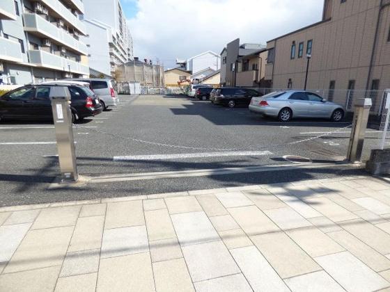 その他安心の敷地内駐車場も完備。