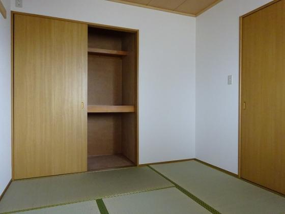 収納和室の収納