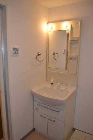 独立洗面台洗髪シャワー付洗面台