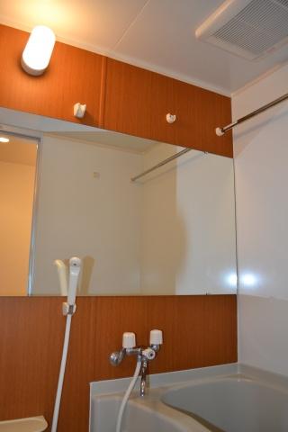 浴室ダイノックシート貼り ワイドミラー付