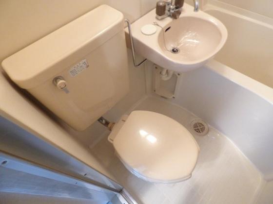 トイレシンプルで落ち着ける空間