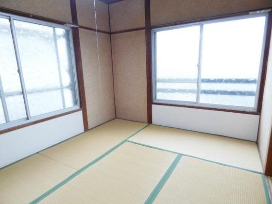 和室もうひとつの癒しの空間ですね。