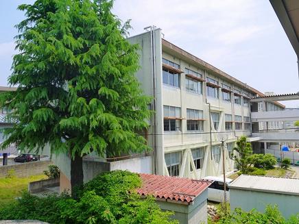 奈良市立春日中学校の画像