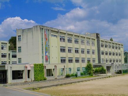 奈良市立登美ヶ丘中学校の画像