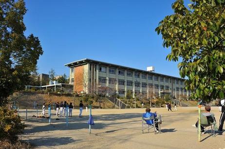 奈良市立平城西小学校の画像