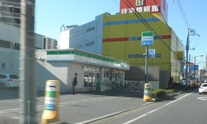 ファミリーマート 川口末広店01
