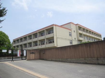 奈良市立 東登美ヶ丘小学校01