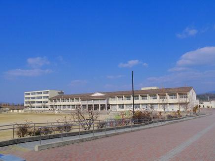 木津川市立梅美台小学校の画像