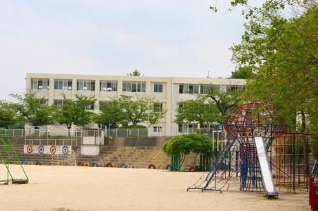 生駒市立生駒小学校の画像