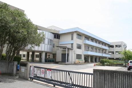 生駒市立真弓小学校の画像