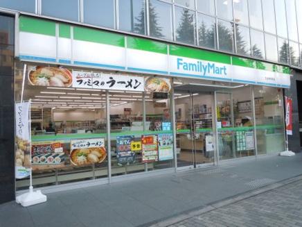 ファミリーマート 市谷本村町店01