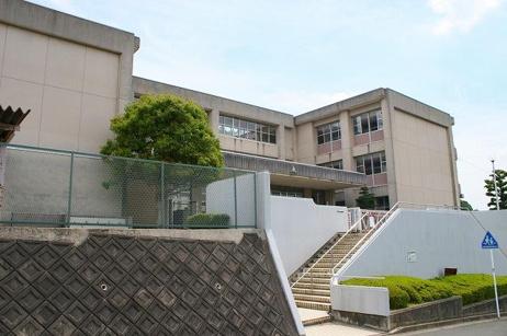 生駒市立光明中学校の画像