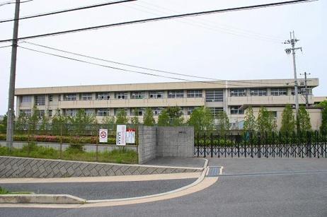 生駒市立大瀬中学校の画像