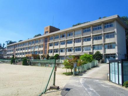 桜井市立朝倉小学校の画像