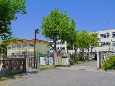奈良市立明治小学校の画像